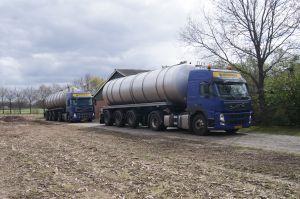 Foto 1 van het album Nieuwe Volvo en mestoplegger Vogelzang